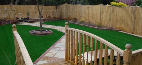 Turf garden feature decking