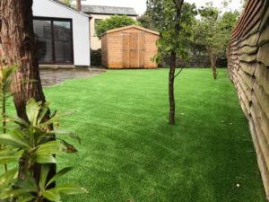 large side lawn installation