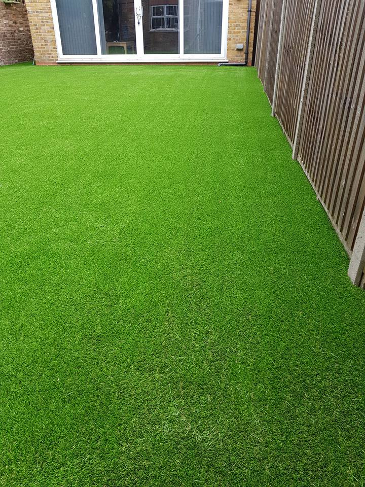 artificial grass tucked edge