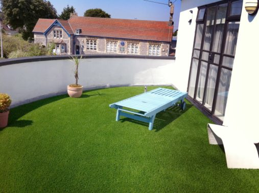 balcony artificial grass installation