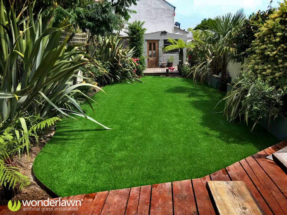 Isle of Wight artificial grass installation
